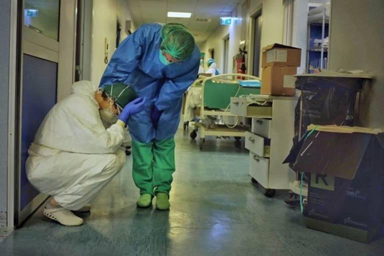 Enfermeiro fotografa impacto do coronavírus em hospital da Itália