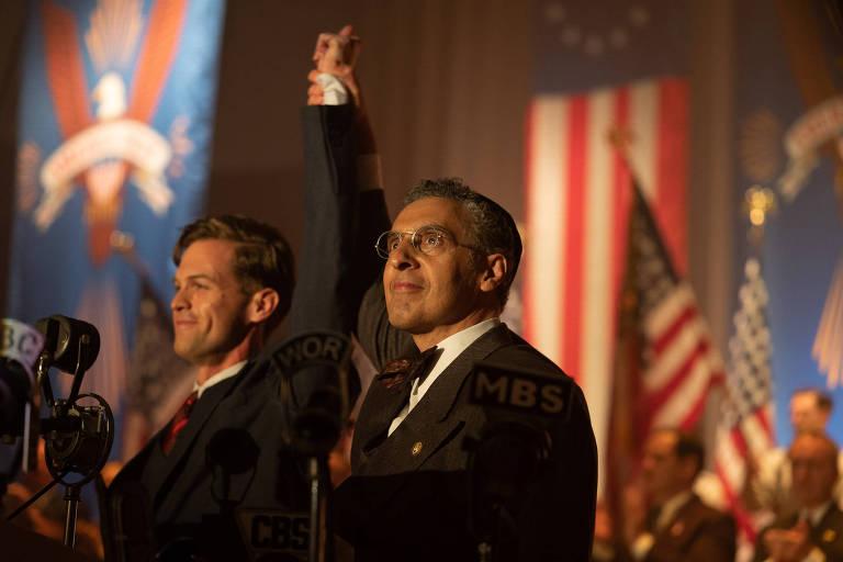 Veja cenas de 'The Plot Against America'
