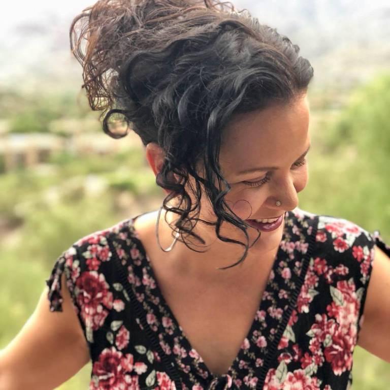 A escritora Jeanine Cummins