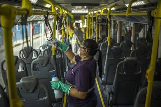 Linpeza de ônibus da EMTU