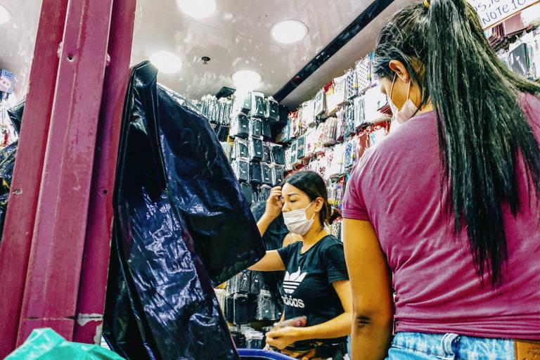 Lojas populares de importados, na Galeria Pagé