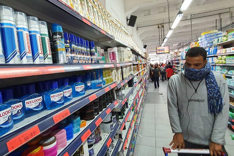 Mercados colocam restrições para a compra de alimentos