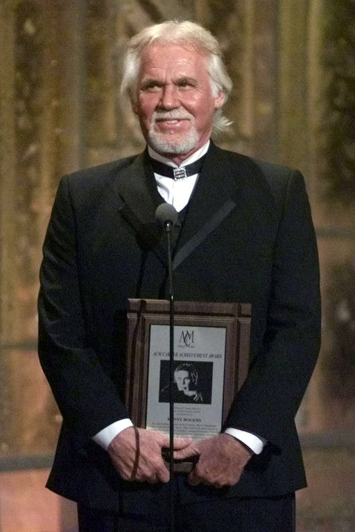 Cantor americano Kenny Rogers morre aos 81 anos