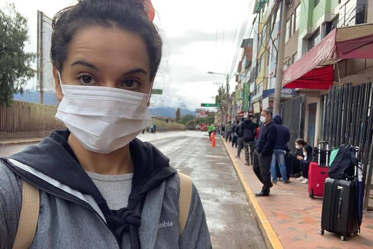 A publicitária Lisiane Ferreira, que decidiu ir ao aeroporto para ver se consegue ser repatriada no voo que sai neste sábado de Cusco