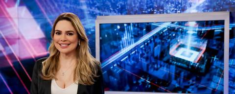 Rachel Sheherazade na bancada do jornal SBT Brasil