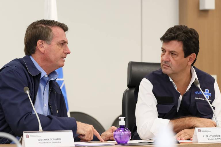 Bolsonaro e o ministro da Saúde, Luiz Henrique Mandetta, participam de videoconferência com prefeitos neste domingo (22) em Brasília