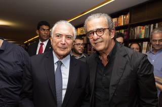 Ex-presidente Michel Temer ao lado do publicitário Elsinho Mouro