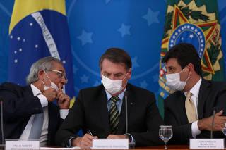 Reunião sobre a pandemia do coronavírus, no Planalto, em Brasília (DF)