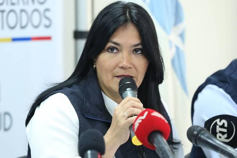 Catalina Andramuno durante entrevista coletiva em Guayaquil