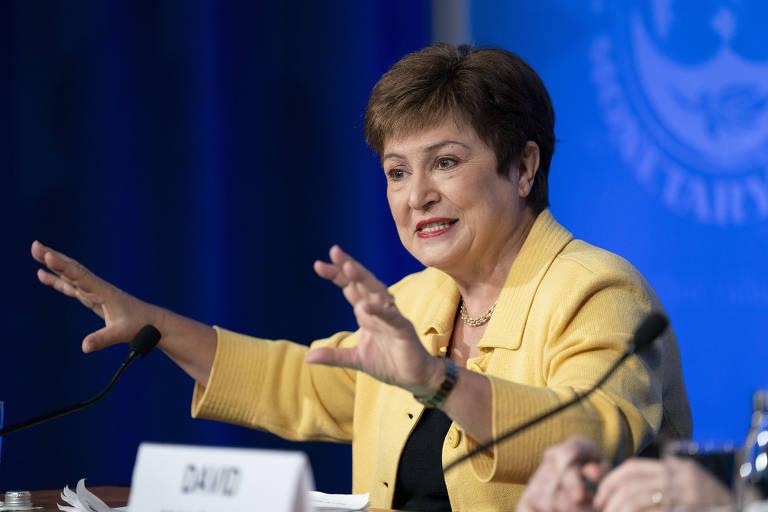 Diretora-executiva do FMI (Fundo Monetário Internacional), Kristalina Georgieva, em coletiva de imprensa em Washington, nos EUA; para ela, crise global será no mínimo tão profunda quanto a de 2008