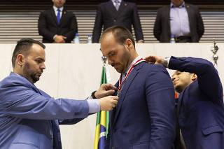 Sessão Solene com a finalidade de outorgar o Colar de Honra ao Mérito Legislativo do Estado de São Paulo ao Senhor Deputado Federal Eduardo Bolsonaro