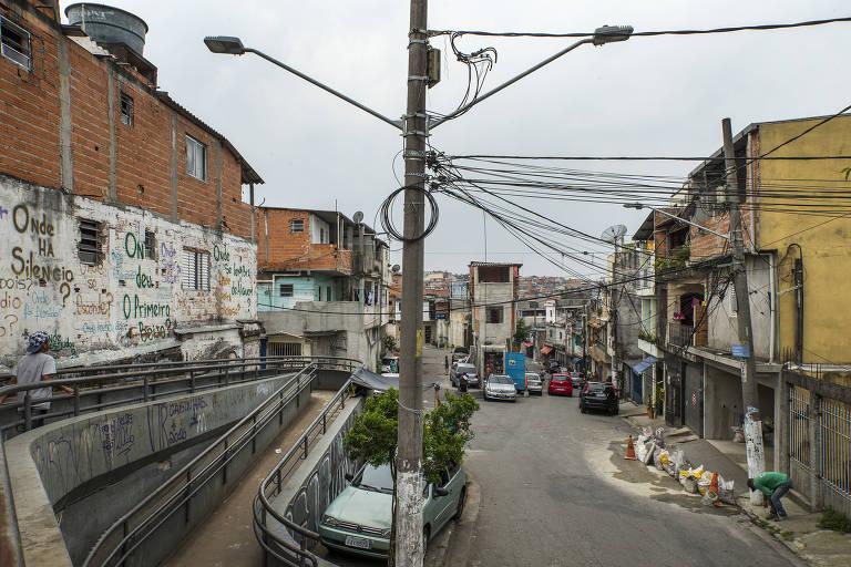 Favelas de SP cobram abastecimento de água em meio a pandemia