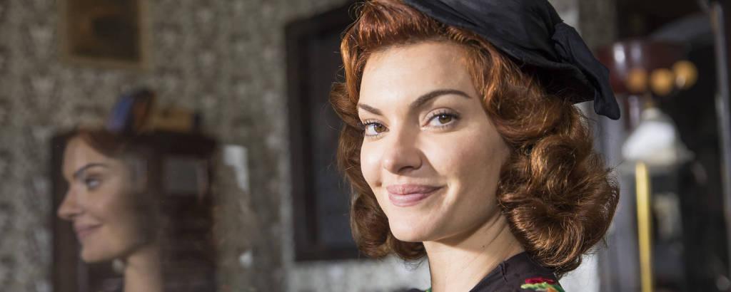 Mayana Neiva interpreta Karine em