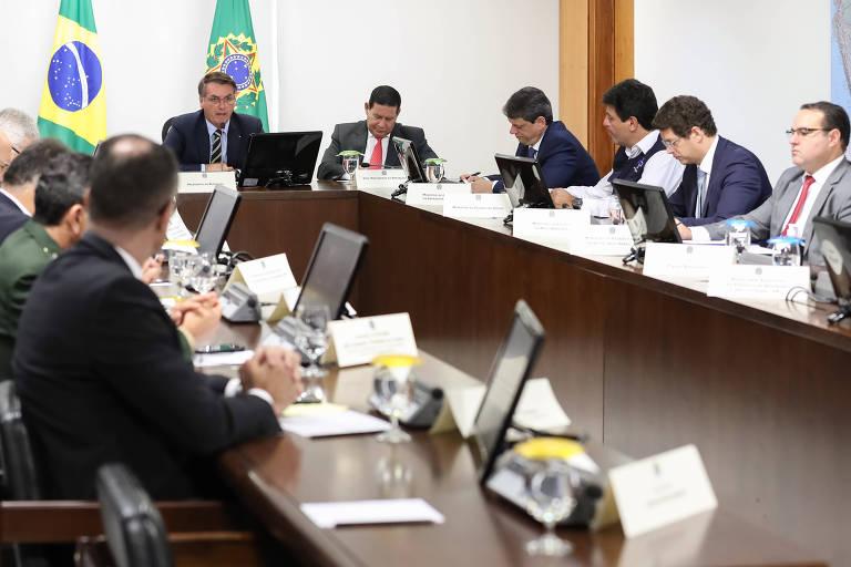 O presidente Jair Bolsonaro participa de videoconferência com governadores do Centro-Oeste para tratar sobre a pandemia do coronavírus, entre outros assuntos