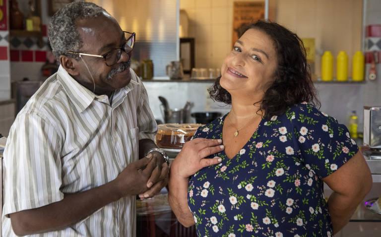 Ermelinda (Grace Gianoukas) e Edgar (Cosme dos Santos)