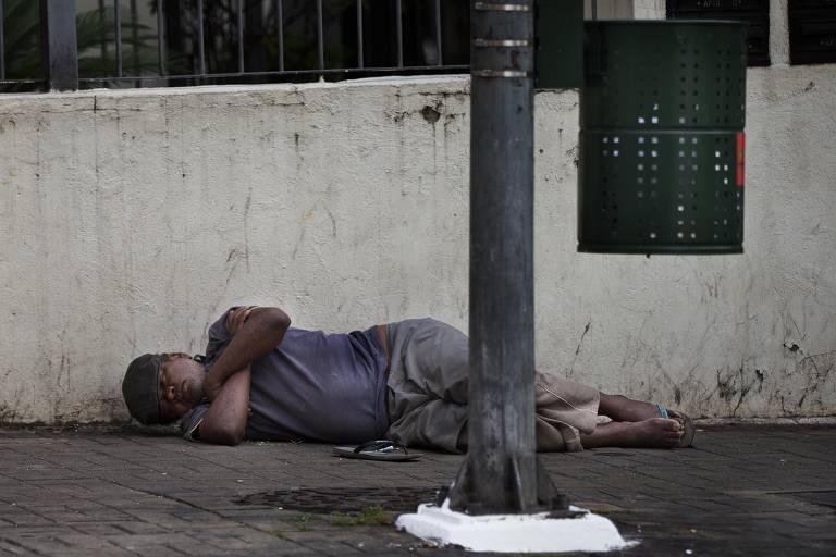 Moradores de rua em meio a coronavírus