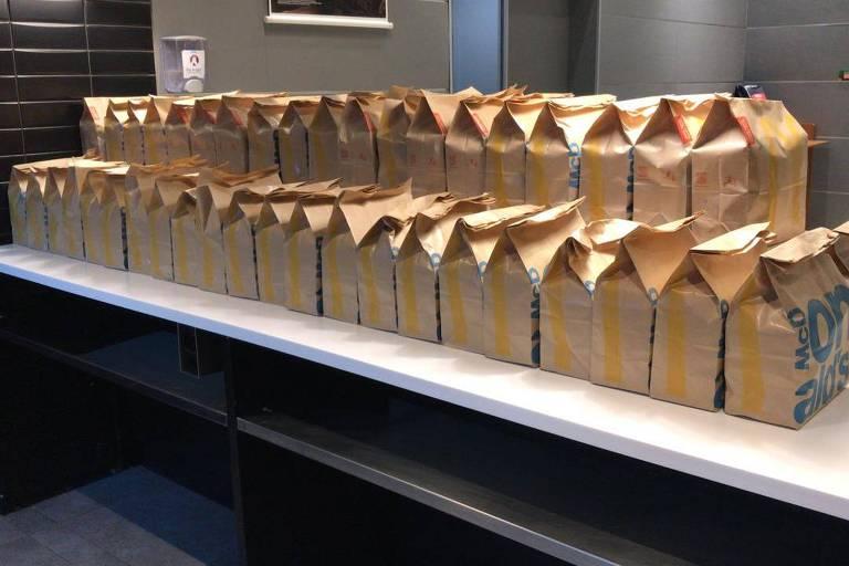 Refeições da rede McDonald's que serão doadas a profissionais da saúde em 25 cidades brasileiras