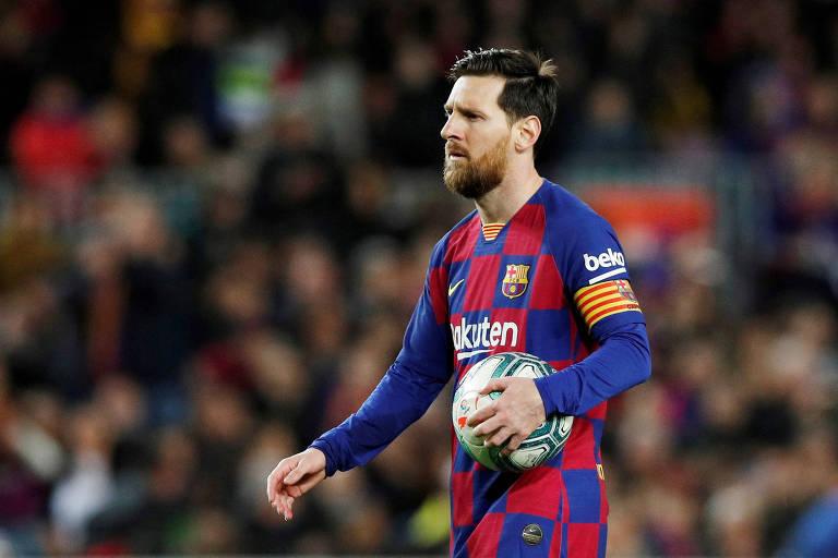 O argentino Lionel Messi, do Barcelona, doou 1 milhão de euros para duas instituições de saúde, uma da Catalunha e outra de Rosario, sua cidade natal na Argentina. Jogador pediu no Instagram que as pessoas respeitem o isolamento e fiquem em casa