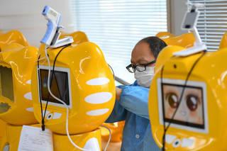 CHINA-HUNAN-CHANGSHA-COVID 19-ROBOT-PREVENCION DE LA EPIDEMIA