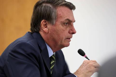 Em reunião tensa, ministros pedem a Bolsonaro um alinhamento de discurso com ações do governo