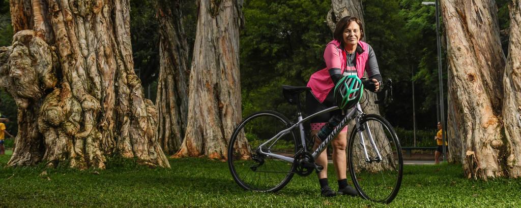 Marta Avena, 61, fez aulas para aprender a andar de bicicleta depois dos 60