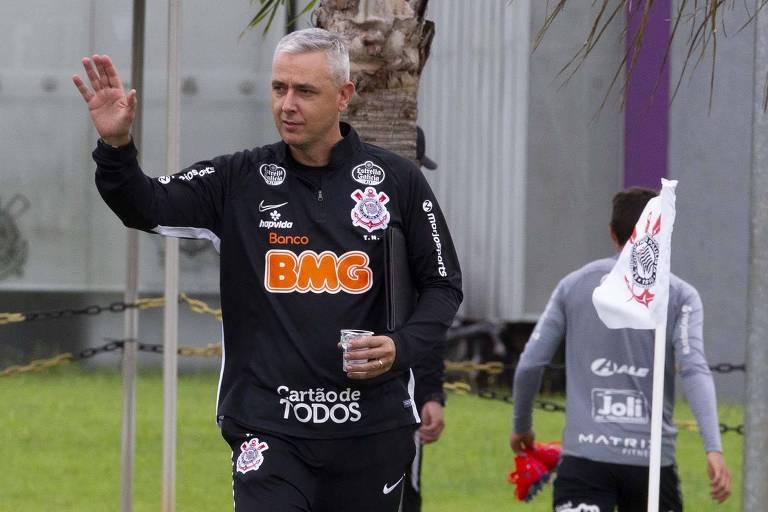 Com Tiago Nunes, o Corinthians perdeu a segurança defensiva e não ganhou nada em troca