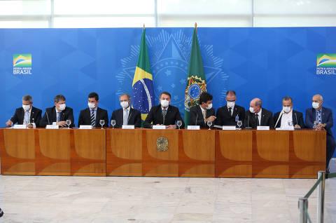 Bolsonaro convoca reunião-geral de ministros