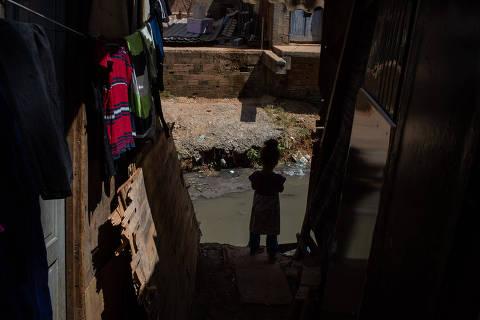 SÃO PAULO, SP, BRASIL, 26-03-2020: Favela Nazzalii localizada na Vila Nova Cachoeirinha, na zona norte de São Paulo. (Foto: Bruno Santos/ Folhapress) *** FSP-COTIDIANO*** EXCLUSIVO FOLHA***