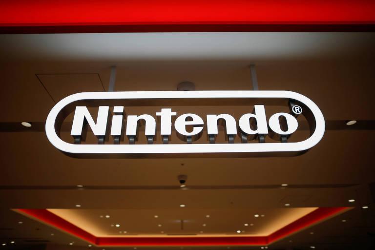 O logotipo da Nintendo exibido em uma loja durante uma prévia da imprensa em Tóquio, Japão