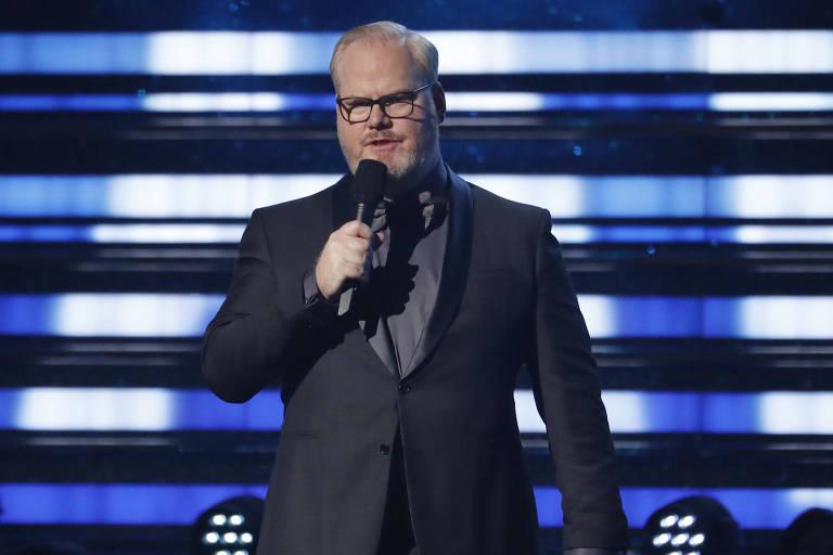 O comediante Jim Gaffigan na edição de 2020 do Grammy