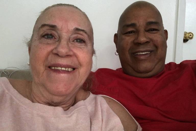 Maria Etel Feiten com o marido, Orlando, durante a quarentena em Nova York, EUA