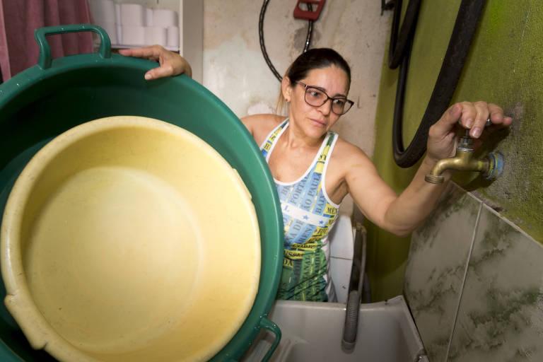 Periferia da capital paulista sofre com a falta d'água durante pandemia