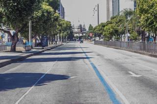 Centro do Rio de Janeiro fica vazio por prevenção a Covid-19