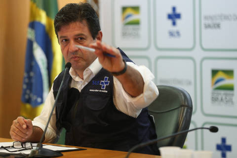 Mandetta diz que quarentena total será desastre e critica carreatas