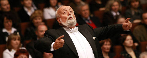 Polish composer Krzysztof Penderecki during a concert at the Philharmonic in Lublin, Poland April 2, 2009. Picture taken April 2, 2009.  Rafal Michalowski/Agencja Gazeta via REUTERS ATTENTION EDITORS - THIS IMAGE WAS PROVIDED BY A THIRD PARTY. POLAND OUT. NO COMMERCIAL OR EDITORIAL SALES IN POLAND. ORG XMIT: LUB200