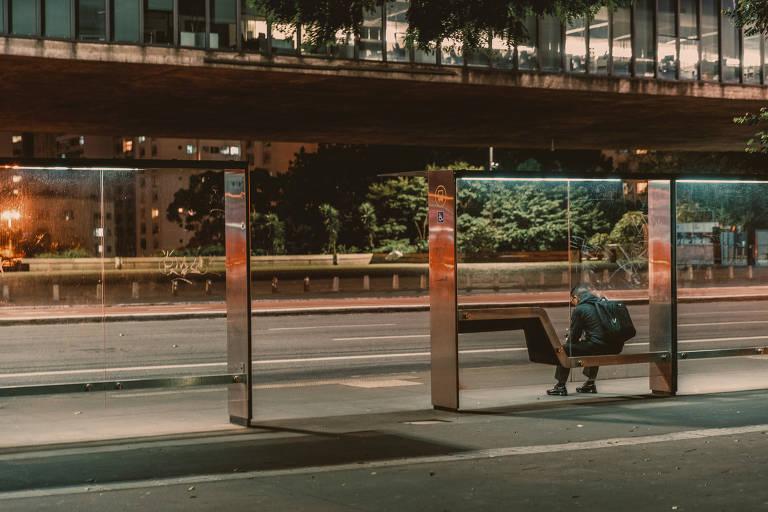 Fotógrafo capta detalhes de São Paulo sob a pandemia