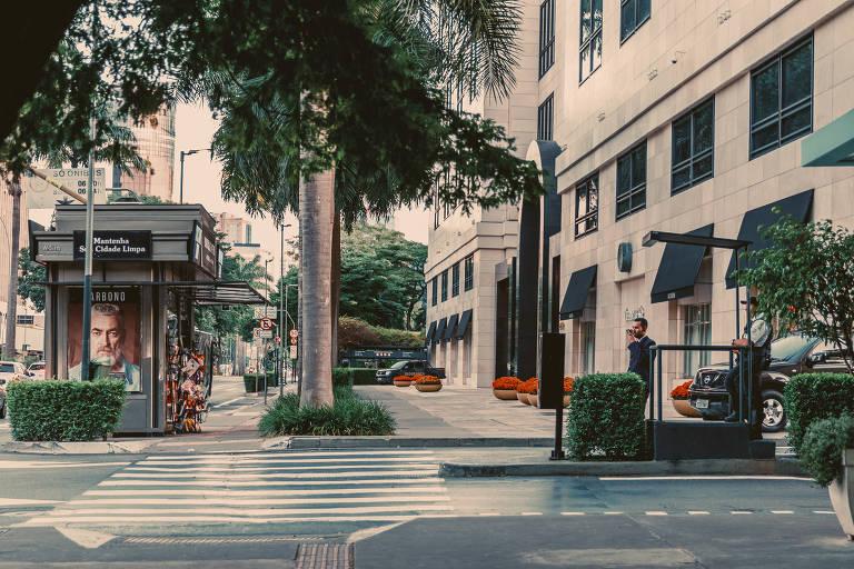 Fachada do shopping Iguatemi, nos arredores da Avenida Faria Lima