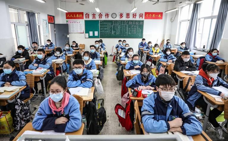 China começa a reabrir escolas após controlar contágios da Covid-19; veja fotos de hoje