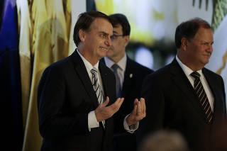 Jair Bolsonaro em evento no Clube Naval