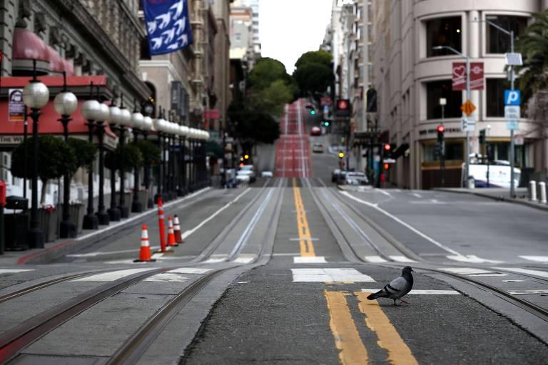 Rua vazia em San Francisco, na Califórnia; EUA têm mais de 150 mil casos de coronavírus