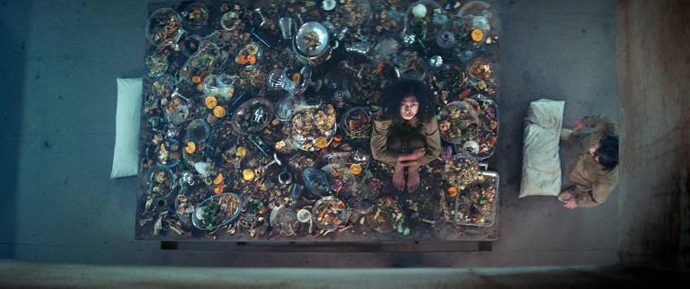 Imagens do filme 'O Poço'
