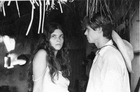 ORG XMIT: 401901_0.tif LOCAL DESCONHECIDO, 00-05-1990: Televisão: os atores Cristiana Oliveira e Marcos Winter durante gravação de cena da novela