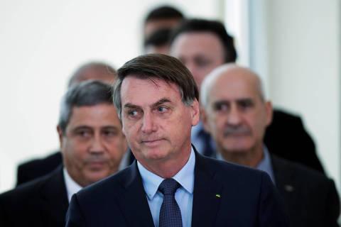 Mesmo sem publicar, Bolsonaro diz que auxílio emergencial começa a ser pago na próxima semana