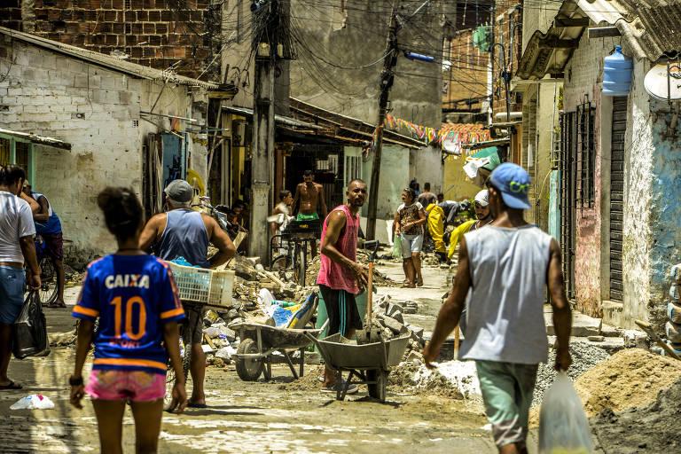 Vida nas palafitas do Recife não permite isolamento contra coronavírus