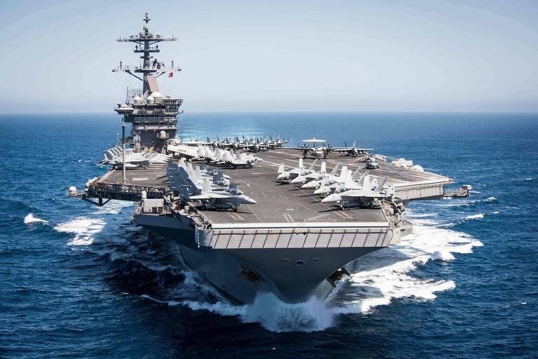 O USS Theodore Roosevelt durante exercício na costa da Califórnia, em 2017