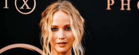 HOLLYWOOD, CALIFORNIA - JUNE 04: (EDITORS NOTE: Image has been processed using digital filters) Jennifer Lawrence attends the premiere of 20th Century Fox's