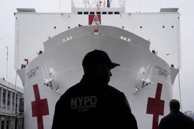 Navio-hospital americano com mil leitos está com apenas 20 pacientes