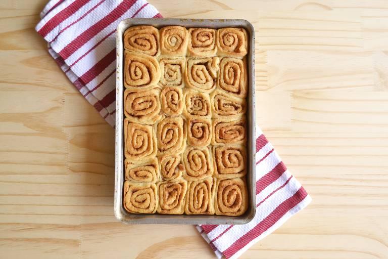 Cinnamon Rol é um pãozinho doce de canela e cobertura de açúcar