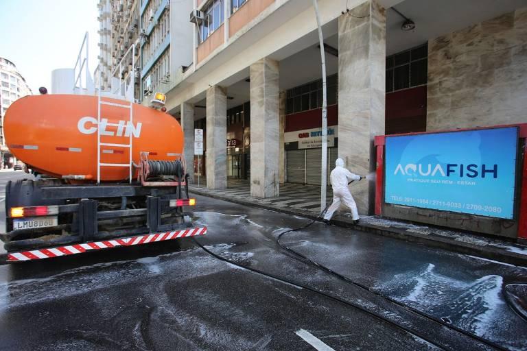 Niterói faz desinfecção de ruas e comunidades contra coronavírus