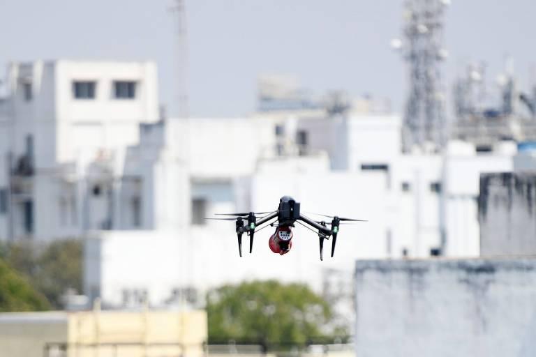 Índia usa drones para monitorar quarentena; veja fotos de hoje